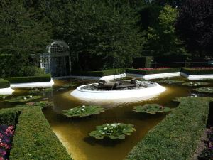 Buchart Gardens-Spanish pond